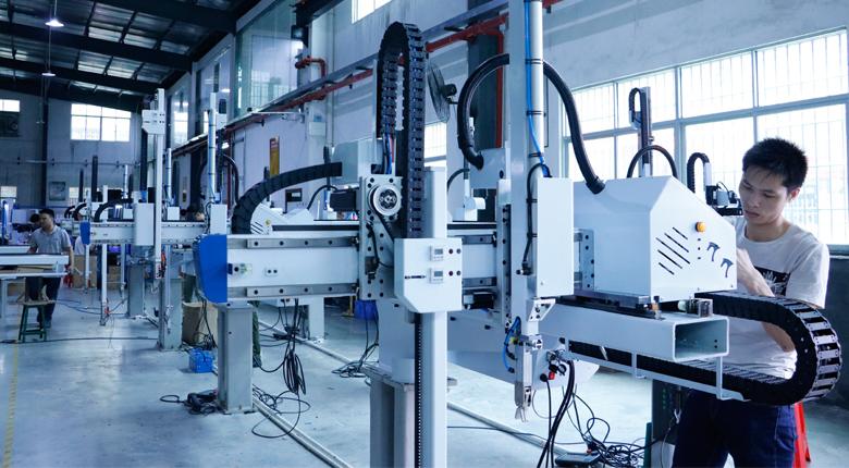 注塑机机械手生产细节