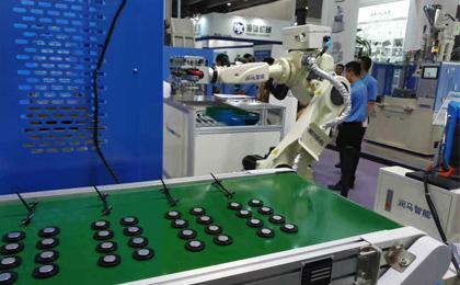 六轴机器人产品应用.jpg