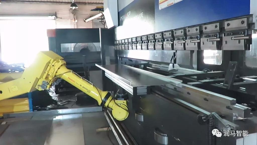 工业机器人参与金属业的四大应用